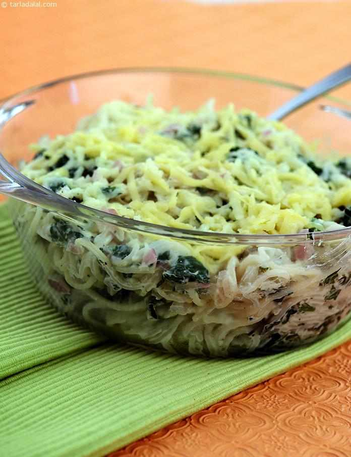 Baked Noodles with Spinach and Yoghurt