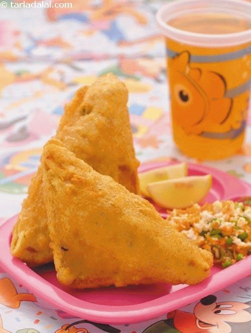 Bread Pakoda ( Tiffin Treats for Kids )