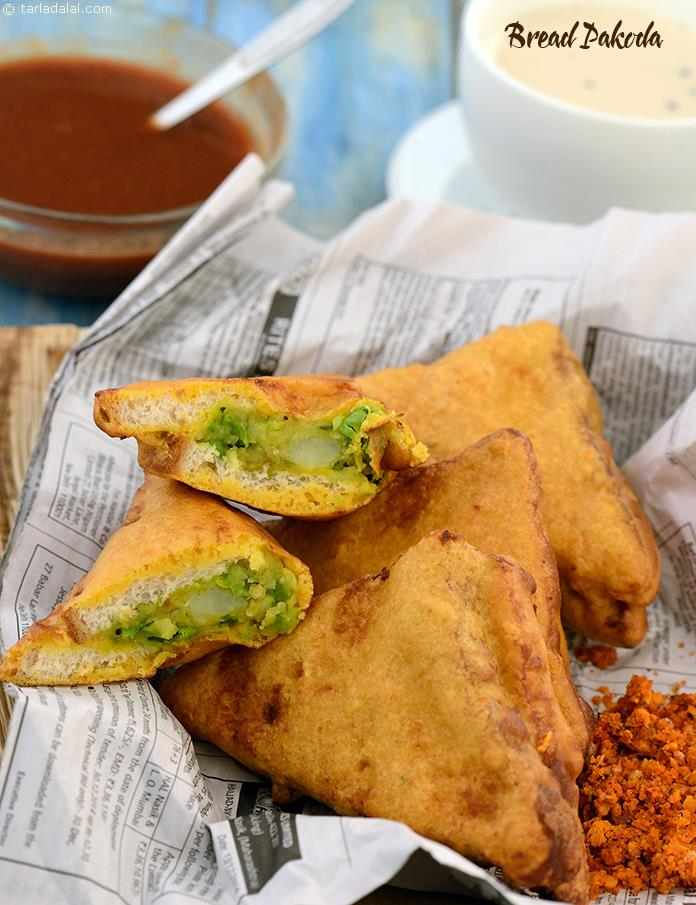 Bread Pakoda ( Mumbai Roadside Recipes )