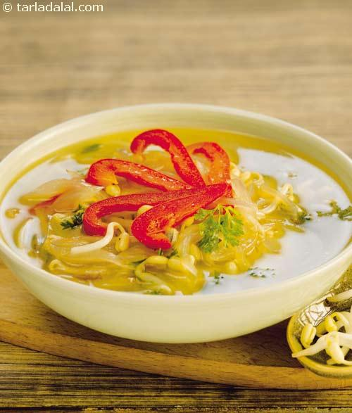 Capsicum and Bean Sprouts Stir-fry Soup