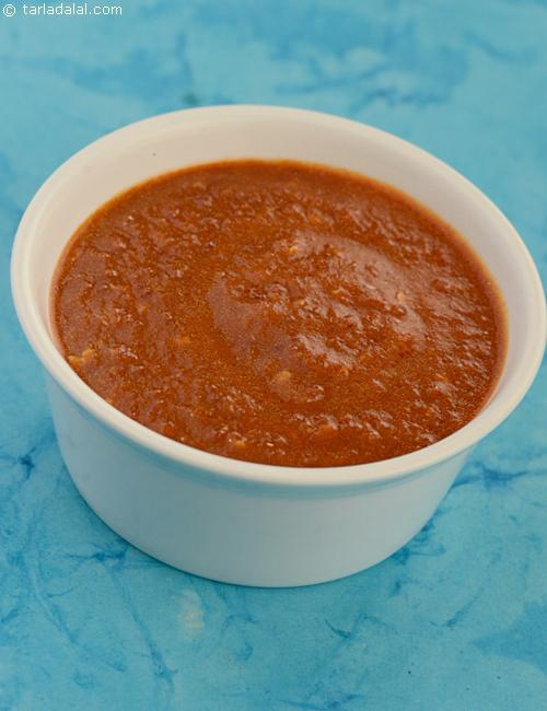 Tomato ketchup is the base of this Hot Garlic Sauce.