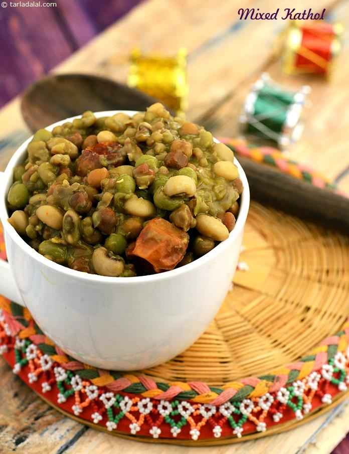 Mixed kathol features a wonderful combo of pulses cooked and presented the Gujarati way. It has a spicy and sweet taste.