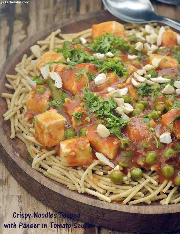 Paneer & Noodles In Tomato Sauce