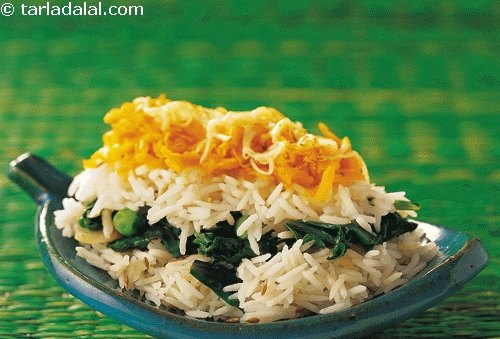 Spinach and Carrot Rice, a visually appealing tri-coloured rice with spinach and carrot layered with rice.