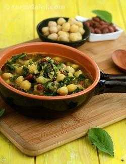 Beans and Amaranth Leaves Dal