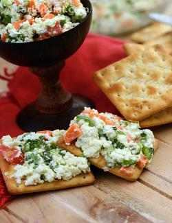 Crackers with Paneer and Veggie Spread