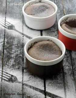 Chocolate Soufflé , Baked Chocolate Soufflé with Eggs