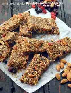 Date Oats and Mixed Berries Granola Bars