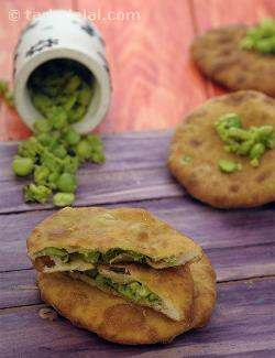 Hare Mutter ki Puri, Green Peas Puri