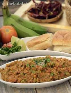 Jain Pav Bhaji  (using Raw Bananas)