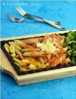 Pasta and Vegetable Sizzler in Tomato Sauce