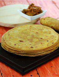Thepla ( Gujarati Recipe)