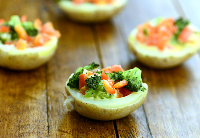 Baked Potatoes with Broccoli and Red Pepper