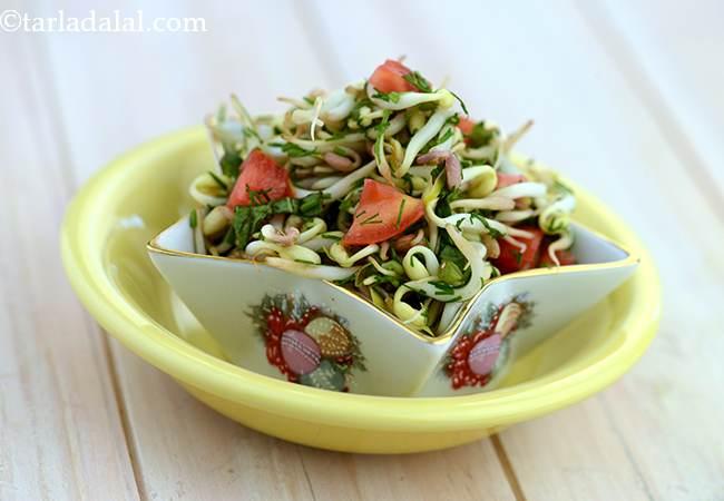 बीन स्प्राउटस् एण्ड सुआ टोस्ड सलाद - Bean Sprouts and Suva Tossed Salad