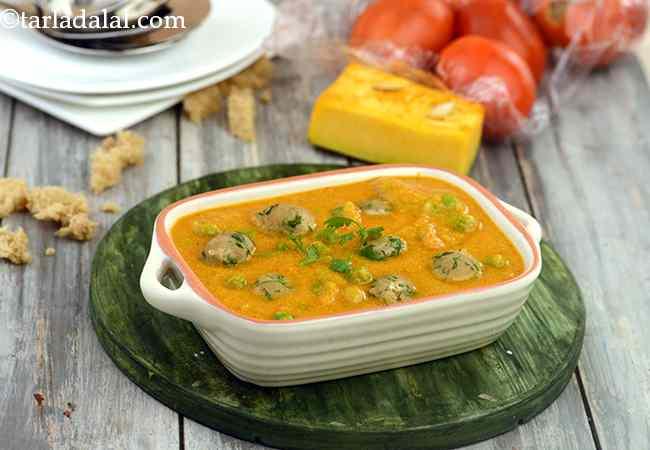 Bread Koftas in Pumpkin Curry ( Healthy Subzi)