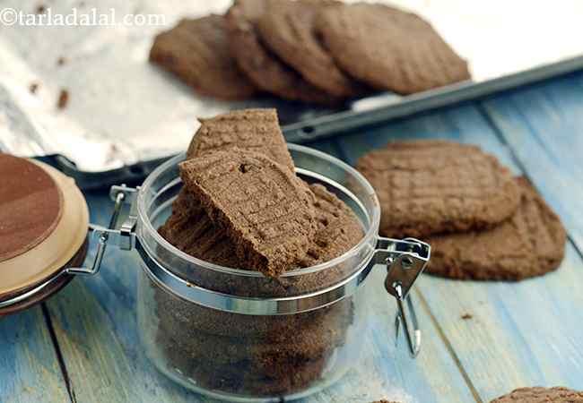 चॉकलेट कुकीज | घर पर बनाए हुए चॉकलेट कुकीज - Chocolate Cookies, Homemade Chocolate Cookies