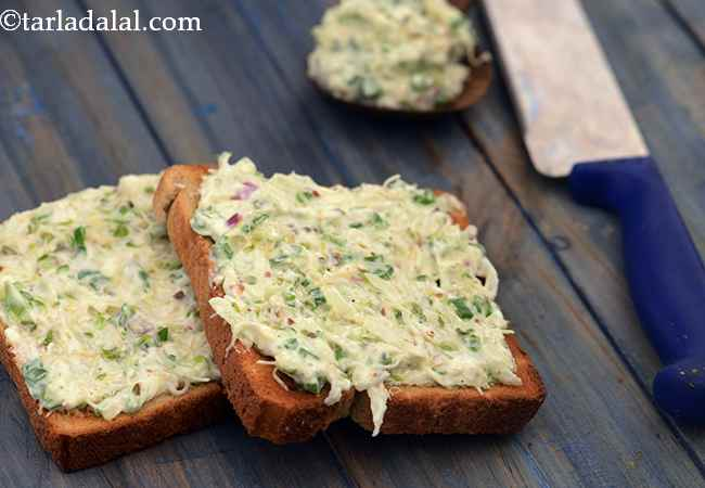 Creamy Alfalfa Sprouts and Apple On Toast