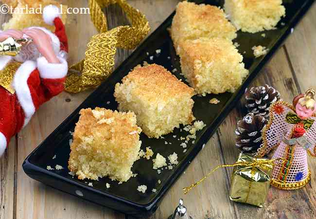 अंडारहित सूजी और नारियल का केक - Eggless Semolina and Coconut Cake