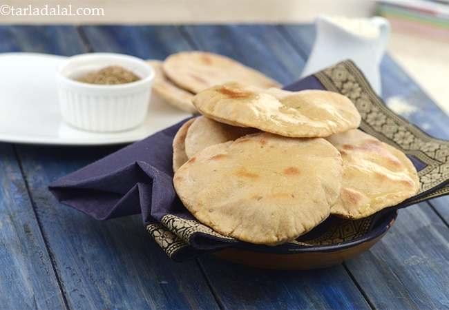 खमीरी रोटी - Khamiri Roti ( Kebabs and Tikkis Recipe)