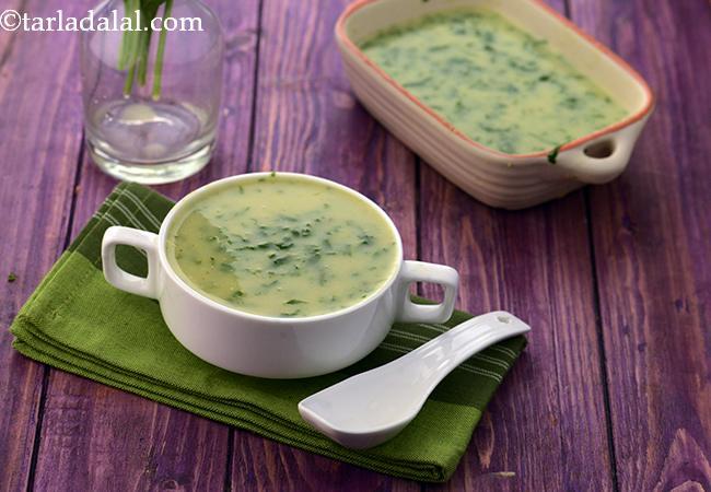 मूंग दाल और पालक का सूप - Moong Dal and Spinach Soup