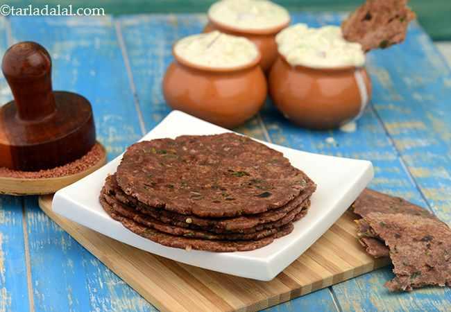 नाचनी रोटी रेसिपी | हेल्दी रागी रोटी | - Nachni Roti, Ragi Roti, How To Make Ragi Roti