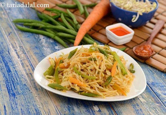 शेजवान नूडल्स रेसिपी | चायनीज़ शेजवान नूडल्स | वेज शेजवान नूडल्स इन हिंदी | Schezwan Noodles , Chinese Schezuan Noodles Recipe