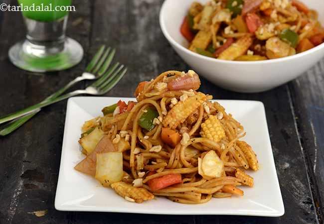 Spicy Stir Fry Noodles in Schezuan Sauce