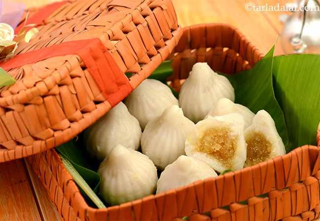 मोदक रेसिपी, गुड़-नारियल मोदक, गणेश चतुर्थी के लिए मोदक, स्टीम्ड मोदक - Modak, Steamed Modak, Ukadiche Modak for Ganesh Chaturthi