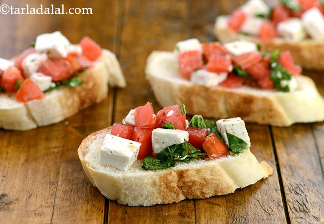 टमॅटो एण्ड पानीर ओपन टोस्ट - Tomato and Paneer Open Toast