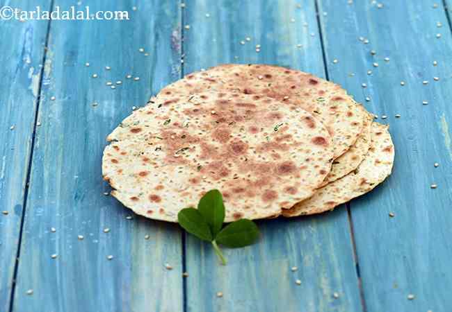 मेथी खाखरा रेसिपी | मेथी खाकरा | मेथी मसाला खाखरा | मेथी फ्लैट ब्रेड | गेहूं मेथी का खाखरा - Whole Wheat Methi Khakhra