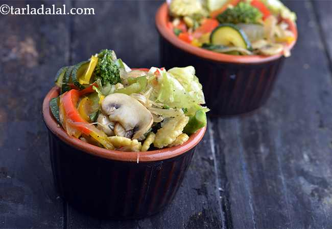 Mushroom, Broccoli, Baby Corn and Zucchini Salad with Honey Orange Dressing